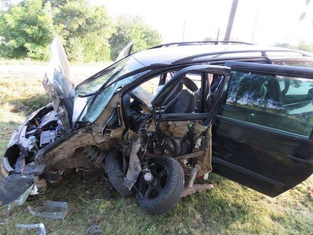 Řidička havarovala v úterý ráno v Tasovicích. Vyvázla s lehkým zraněním.