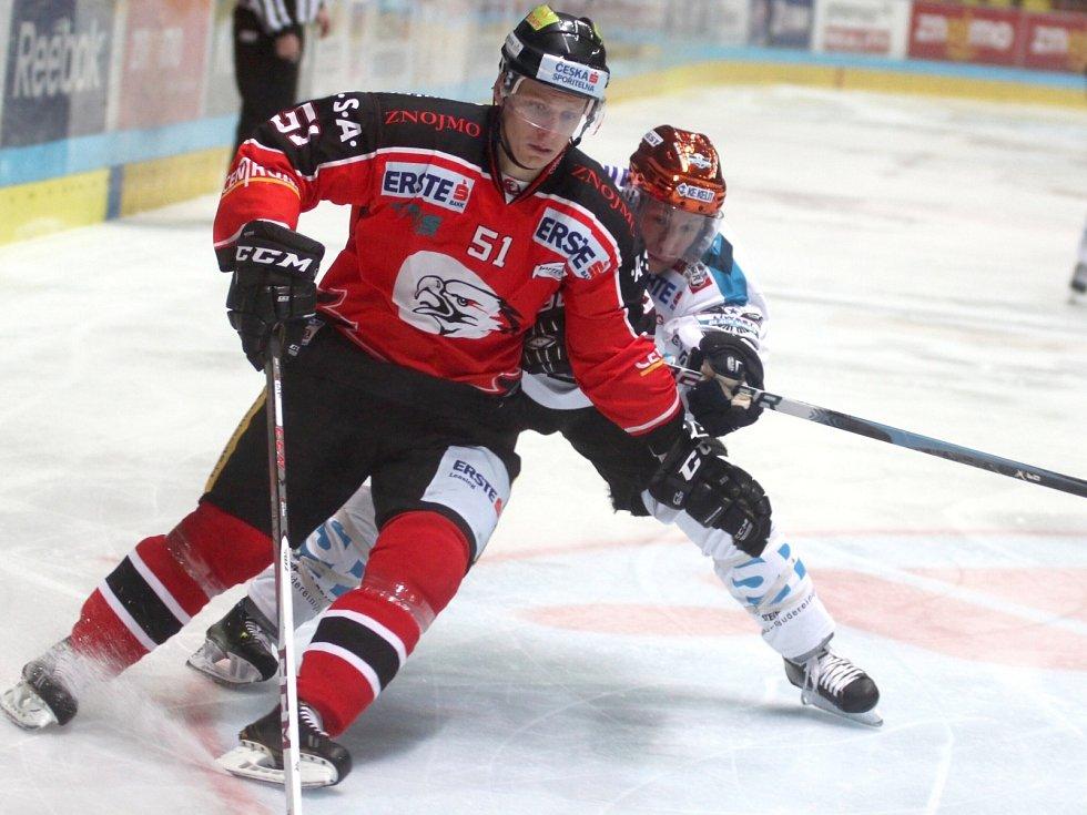 Znojemští hokejisté v utkání s Lincem.