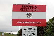 Rakousko otevře hraniční přechod Hnanice.