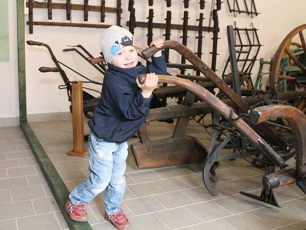 Otevření nového muzea zemědělství mohli na Boží hod velikonoční sledovat návštěvníci Oleksoviček kousek od Znojma.