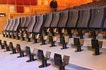 Nové sedačky ve znojemském kině Svět.