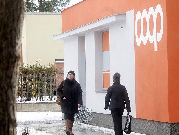 Prodejna spotřebního družstva Jednota Moravský Krumlov.