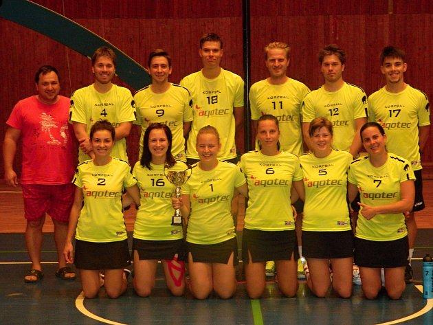 Korfbalisté Znojma brali stříbrné medaile na mezinárodním turnaji Mayor Cup ve slovenské Prievidze.