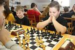 Dvaatřicet šachistů se druhou únorovou sobotu sjelo do Hodonic, aby zde změřily síly na Optika Medek Open.