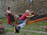 Pro děti pořadatelé připravily starodávné pouťové atrakce.