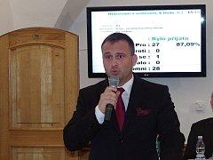 Novým znojemským starostou zvolili zastupitelé v pondělí dosavadního místostarostu Jana Groise.