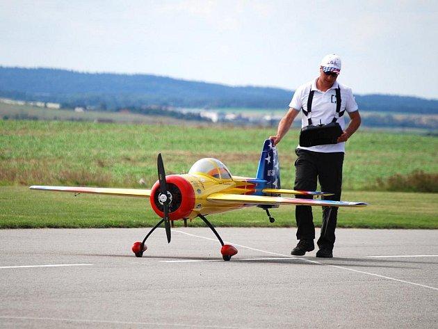 Druhý ročník Mistrovství Evropy v extrémním létání obřích modelů.