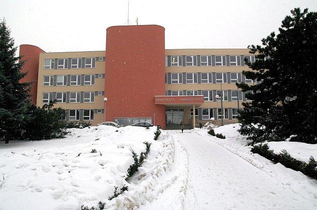 Budova úřadu práce a finančního úřadu ve Znojmě.