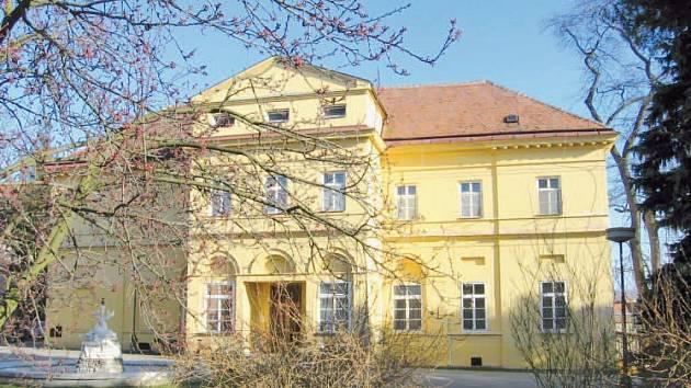 Budova zámku ve Skalici