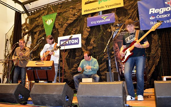 Znojemská country folková kapela Pepa Barnet a Sešup vyhrála oblastní kolo Porty a postupuje do republikového finále vŘevnicích.