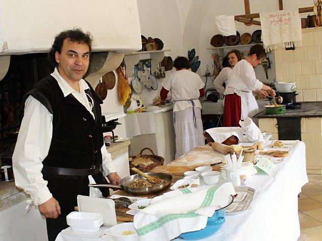 Kastelán bítovského hradu Jan Binder připravil pro návštěvníky svátečně laděné velikonoční prohlídky.