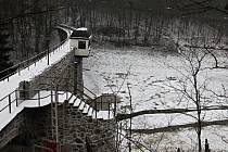 Vypuštěná jevišovická přehrada.
