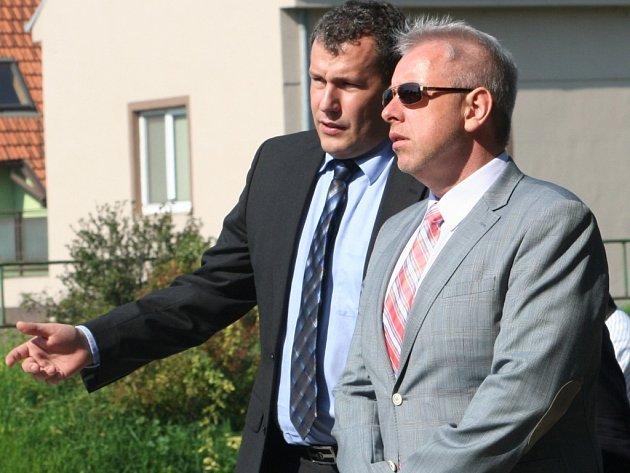 Ministr vnitra Milan Chovanec navštívil v pondělí mimo jiné i lokalitu nedaleko znojemského hotelu Dukla.