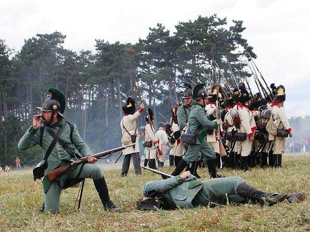 První den rekonstrukce napoleonské bitvy mezi Znojmem a Dobšicemi.