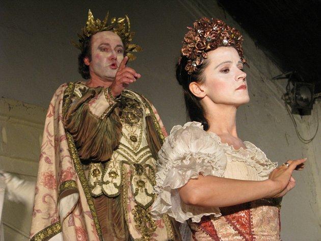 Závěrečné zkoušky před premiérou opery Dorilla in Tempe