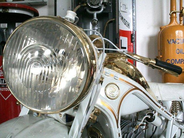 Nový exponát ve znojemském Muzeu motorismu - ČZ 500 z roku 1939 v provedení Vatikán.