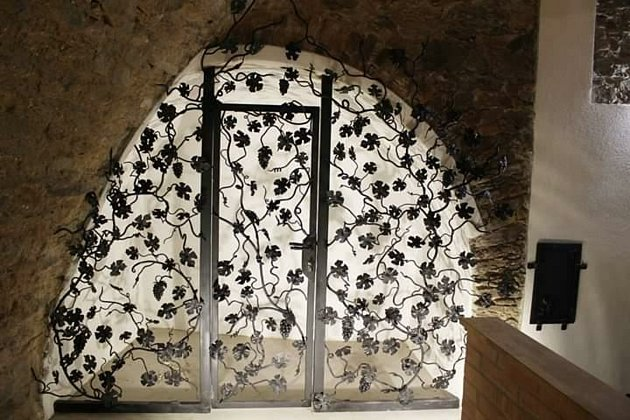 Kulichovou největší zakázkou je brána ve vinném sklepě.