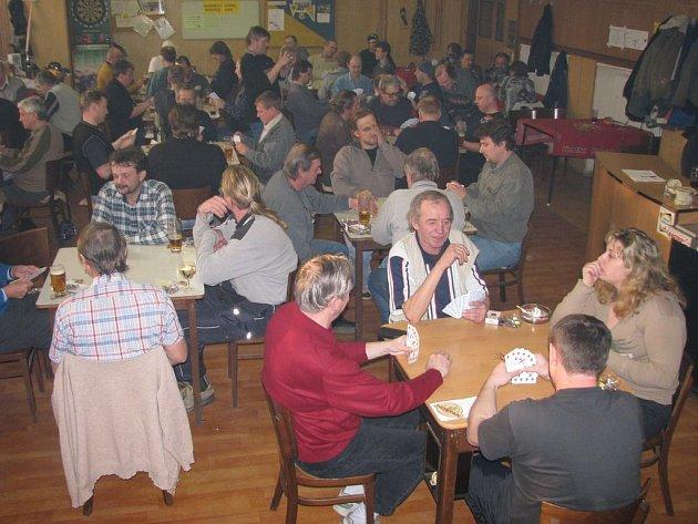 Na bohutický turnaj se sjelo čtyřiačtyřicet příznivců mariáše.