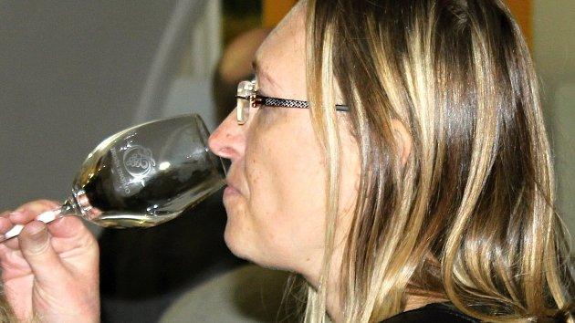Víno je báječný lék proti chřipce, lákal k degustaci jakožto prevenci Šmukař