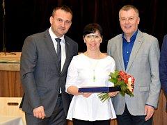 Za vítězství svých žáků v talentové soutěži Zlatý oříšek dostala cenu Marcela Přibylová ze ZŠ Pražská ve Znojmě.