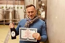 Znojemský městský pivovar láká příznivce na nákup měšťanských akcií v nominální hodnotě deseti tisíc korun. Na snímku ředitel pivovaru Miroslav Harašta.