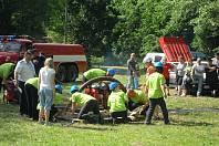 Družstvo plavečských hasičů při soutěži.
