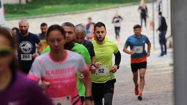 Běh O pohár starosty zakončil první květnovou sobotu patnáctý ročník Znojemského běžeckého poháru.