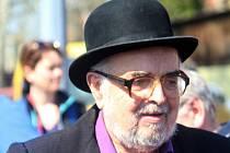Ve věku pětasedmdesáti let zemřel znojemský pedagog a divadelník Petr Žák.