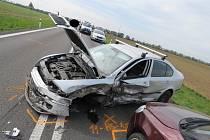 Muž, který zavinil pondělní dopravní nehodu na silnici I/53 před Lechovicemi, neměl za volantem vůbec sedět. Před nehodou jej kontrolovali policisté na dálnici D52 a zjistili, že řidičák vůbec nemá a zakázali mu další jízdu. Muž přesto dál řídil.