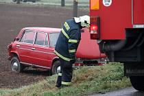 V pátek ráno nedal přednost řidič žigulíku linkovému autobusu na bantické křižovatce na silnici číslo I/53. Zranili se dva lidé.