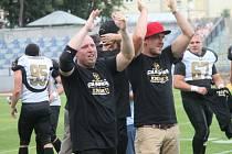 Poprvé v historii dosáhli znojemští hráči amerického fotbalu Knights na mistrovský Iron Bowl. V dramatickém finále přehráli Vysočinu.