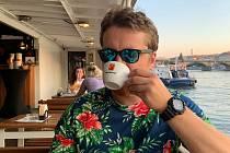 Překladatel Petr zpěváček má rád i kávu.