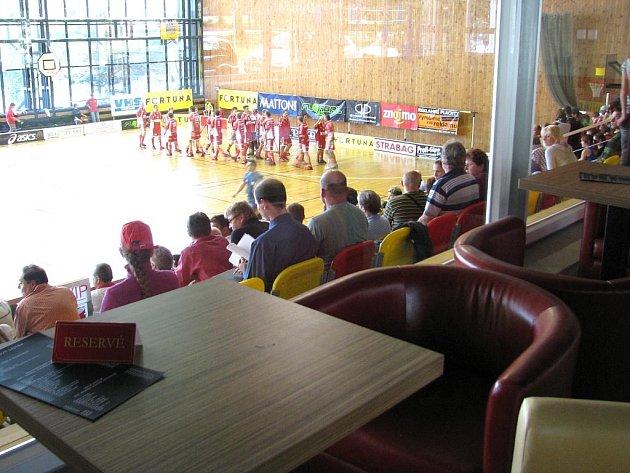 Návštěvníci sportovní haly mají k dispozici nové bistro.