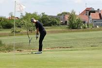 Poslední květnovou sobotu zavítalo na turnaj O pohár VOC do Těšetic 35 golfistů.