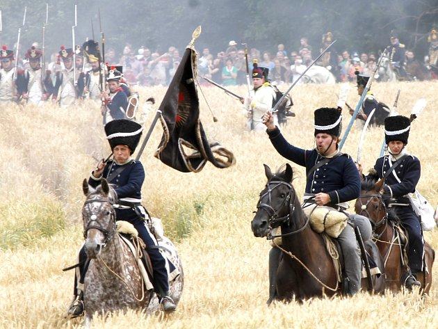 U Dobšic pořádají nadšenci napoleonskou bitvu.