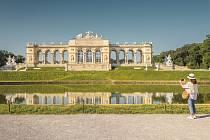Slavná Glorieta zámku v Schönbrunnu.