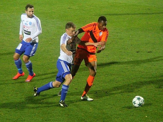 Fotbalisté druholigového Znojma nestačili v domácím utkání 0:2 na Frýdek-Místek. Soupeř udeřil dvakrát zpoza šestnáctky.