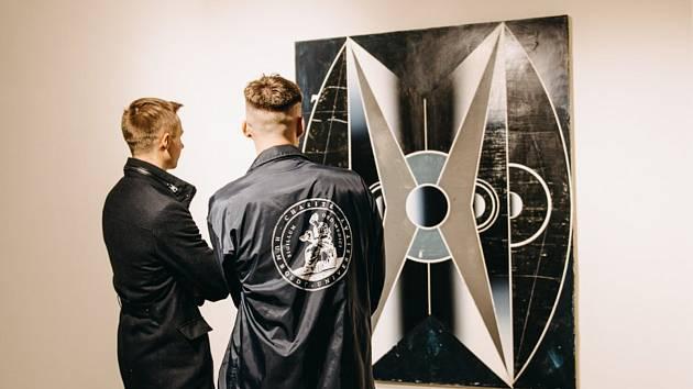 Novou galerii s názvem Galerie a Prostor otevřel na rohu Kollárovy ulice a Náměstí Republiky spolek Umění do Znojma.