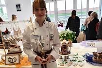 Natálie Semotamová z Přímky uspěla v cukrářské soutěži. Foto: archiv školy
