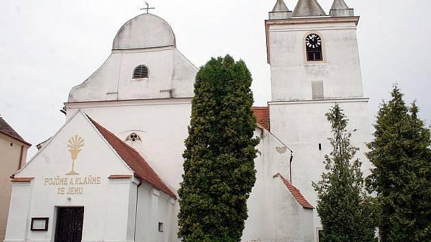 Kostela svatého Jiljí na náměstí v Prosiměřicích.