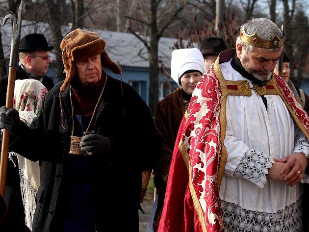 Tři králové společně s hotaři obcházeli vinné sklepy v Novém Šaldorfu.