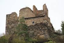 Zřícenina hradu Cornštejn láká ještě na poslední prohlídky.
