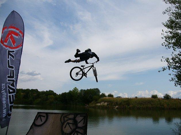 Zrakvise 2008 - Odvážné skoky do vody