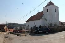 Archeologové v Rokytné, části Moravského Krumlova.