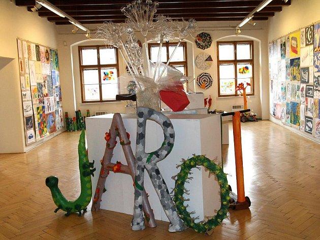 Znojemská umělecká škola zahájila výstavu prací žáků výtvarného oboru