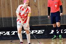 Sedmnáctiletá útočnice znojemského florbalového týmu žen Eva Smutná nakoukla i do ligy juniorek v Brně.
