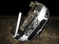 Patrně spánek řidiče předcházel havárii škodovky v noci z pátku na sobotu mezi Pavlicemi a Vranovskou Vsí.