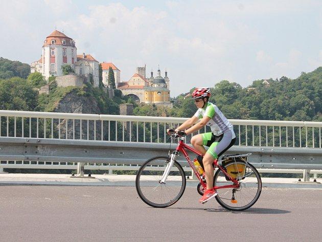 Čtveřice mladých křesťanů s pětičlenným doprovodným týmem vyrazila na pouť do Istanbulu. Tisíce kilometrů chtějí zvládnout na bicyklech. Za měsíc se také na kolech vrátí na Velehrad. Své putování nazvali Cesta k písmu.