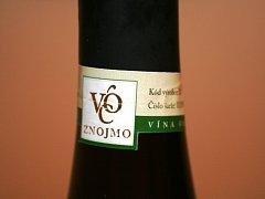 Znojemští vinaři získali jako první v zemi právo používat k označení svých vybraných odrůdových vín certifikát VOC, neboli Vína originální certifikace.