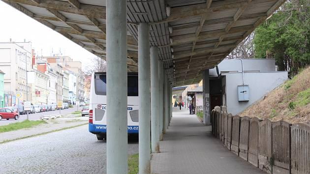Ostuda Znojemska: Bývalé autobusové nádraží. Je na mrtvém bodě